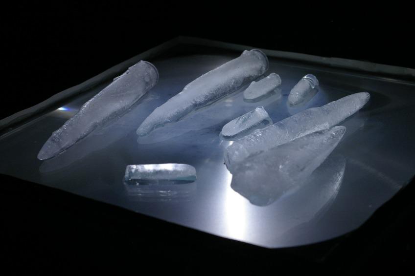 ice, overhead projector, time, melt, sculpture
