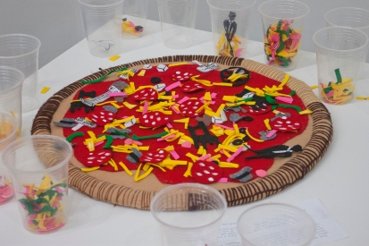 Pizza, Art, Conceptual Art, Jeff Koons, chair, fuzzy felt, felt